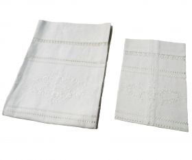 Towel pure linen embroidered with hemstitch at the tip